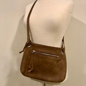 Perfect slim Roots crossbody bag!